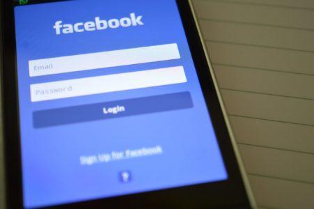 Memento mori, czyli jak wygląda śmierć na facebooku